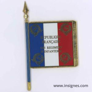 131° Régiment d'Infanterie Drapeau émaillé + au dos le nom des batailles