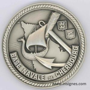 Base Navale de CHERBOURG Médaille de table 68 mm